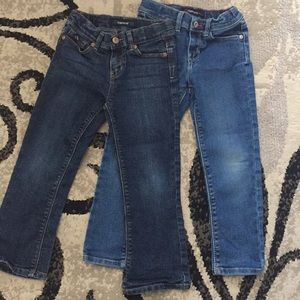 Girls jeans 👖2 pair!